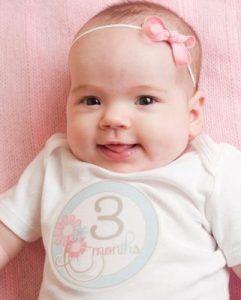 Beb de 3 meses cuando debe pesar y comer mi beb - Con cuantos meses se sienta un bebe ...